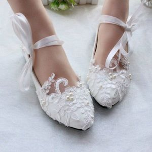 Wedding flats with lace and pearls
